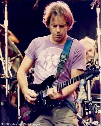 Bob Weir and Grateful Dead 19920524 ©RobbiCohn Deadimages (4)