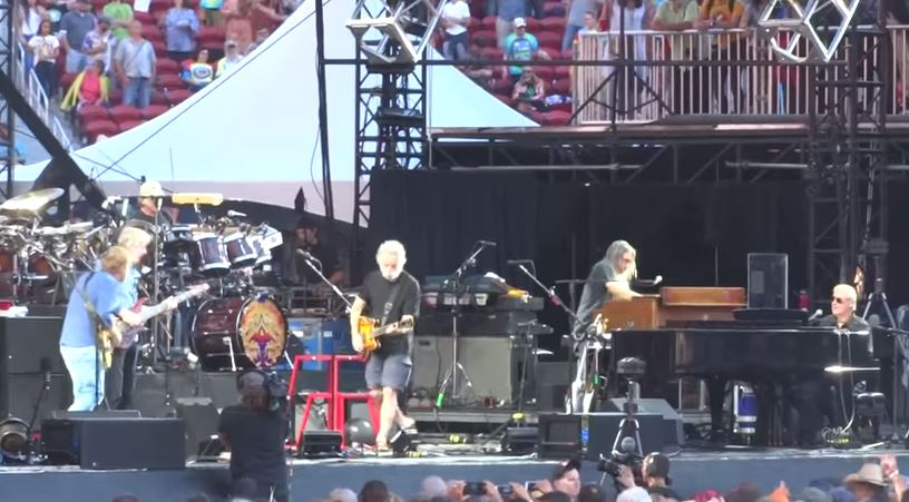 "VIDEO: Grateful Dead  ""Loose Lucy""  Fare Thee Well Santa Clara Levi's Stadium"