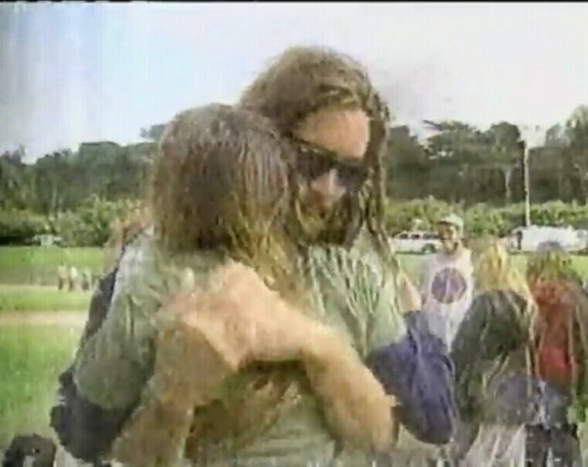 VIDEO: News Reports From the Night Jerry Garcia Died – 8/9/95