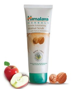 Amazon - Buy Himalaya Herbals Gentle Exfoliating Walnut Scrub, 100gm at Rs 111 only