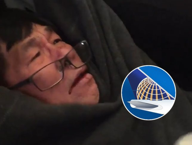 Passengers shoot videos after United Airlines drags Chinese passenger out of Overbooked Flight (4)