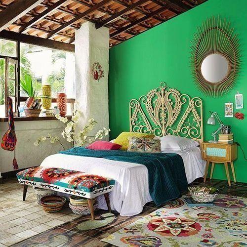 decoracion-de-habitaciones-con-cabeceros-y-sillas-peacock-1