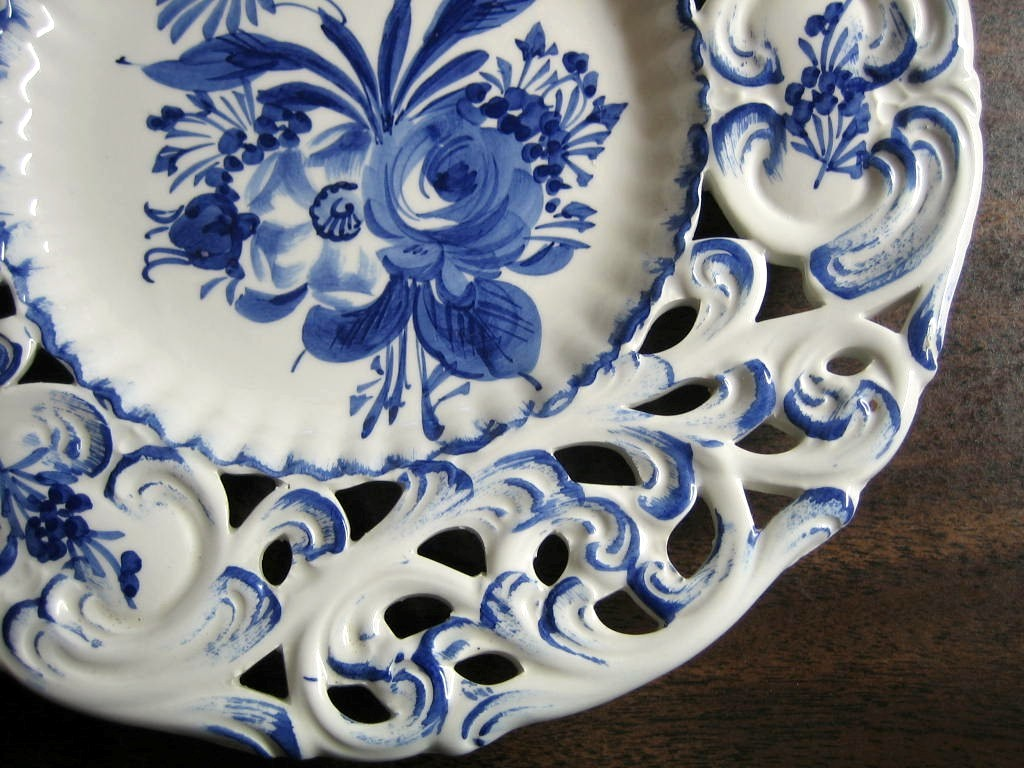 Stupendous On Rose Daisy Scroll Hand Painted Blue On Rose Daisy Scroll Hand Painted Pierced Italy Plate Blue Rose Pottery Reviews Where To Buy Blue Rose Pottery houzz 01 Blue Rose Pottery