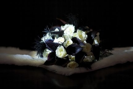 Deco Bouquet with Black Feathers