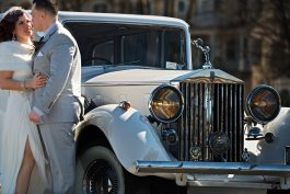 Deco Wedding Car