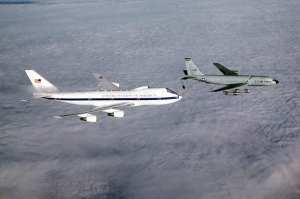 E-4B refuels from a Stratotanker
