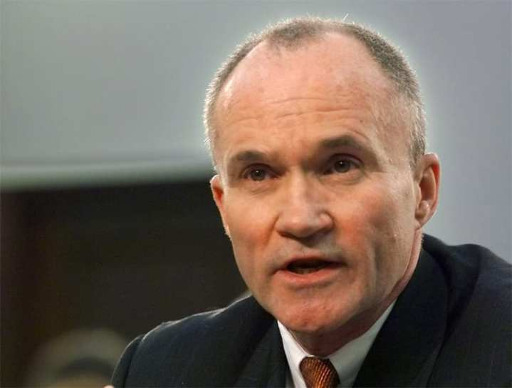 Ray Kelly as Customs Com