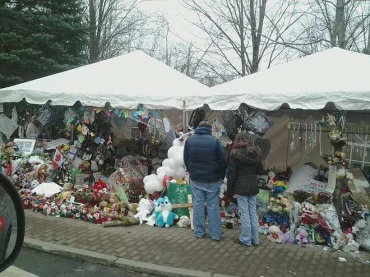 Sandy Hook Memorial 12-26