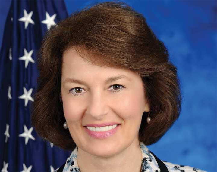 Donna Gage lr