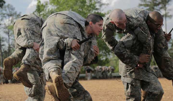 Women-into-combat-roles