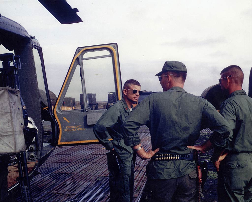 Kettles helicopter pilot MoH