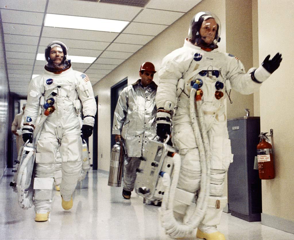 Astronauts depart