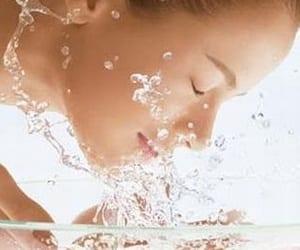 Limpia tu piel en cuatro pasos