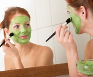 9420d_homemade-avocado-face-mask