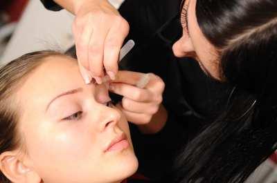 3 errores a la hora de depilarse las cejas