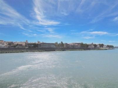 Arles vue du Rhône