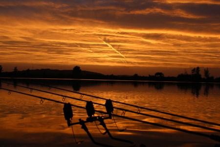Ein Abendrot wie aus dem Bilderbuch: Solch schöne Szenarien bietet uns unsere Natur, ganz ohne Filter, Photoshop & Co.