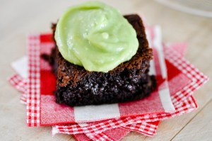 Brownies cu crema de avocado