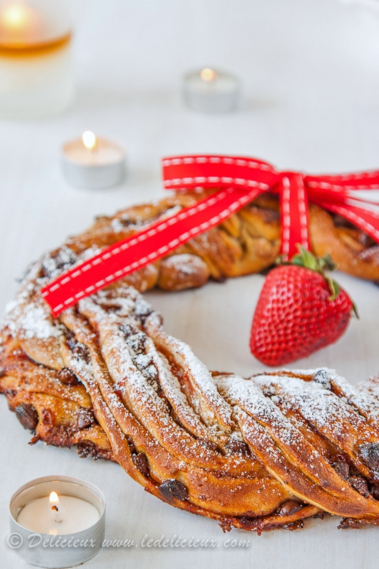 Strawberry & Chocolate Chip Christmas Wreath recipe from Delicieux www.deliciouseveryday.com #christmasrecipes #christmas