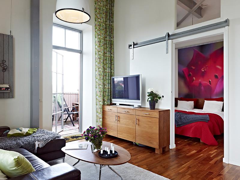 Como aprovechar el espacio en un piso de techos altos for Decoracion piso pequeno ikea