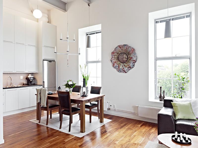 Como aprovechar el espacio en un piso de techos altos - Armarios de cocina altos ...