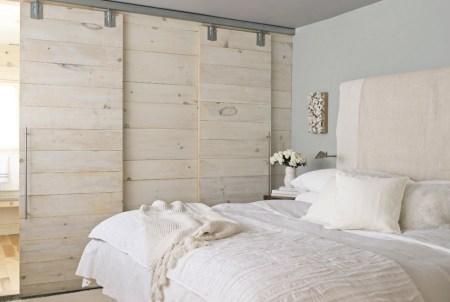 Sypialnia cała w drewnie