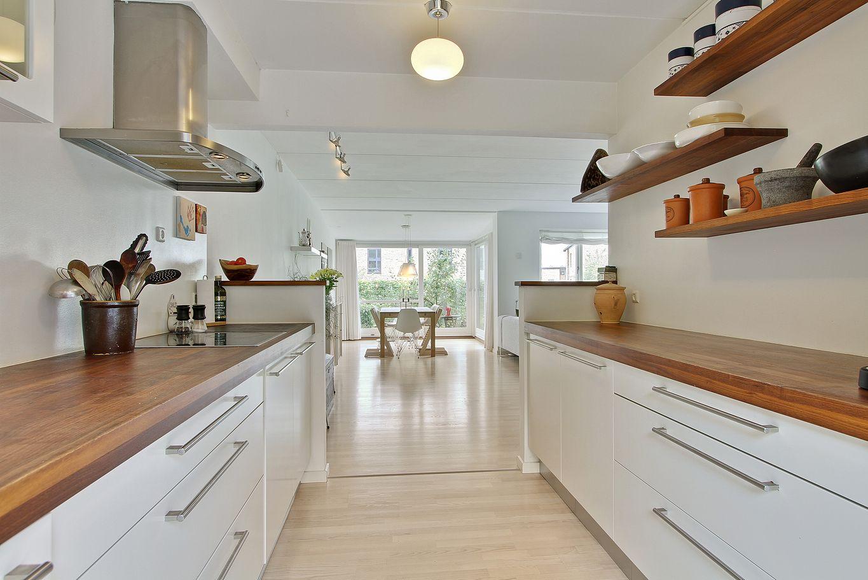 Una casa adosada danesa blog decoraci n estilo n rdico - Casas decoradas en blanco ...