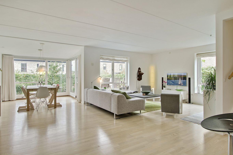 una casa adosada danesa blog decoraci n estilo n rdico delikatissen. Black Bedroom Furniture Sets. Home Design Ideas