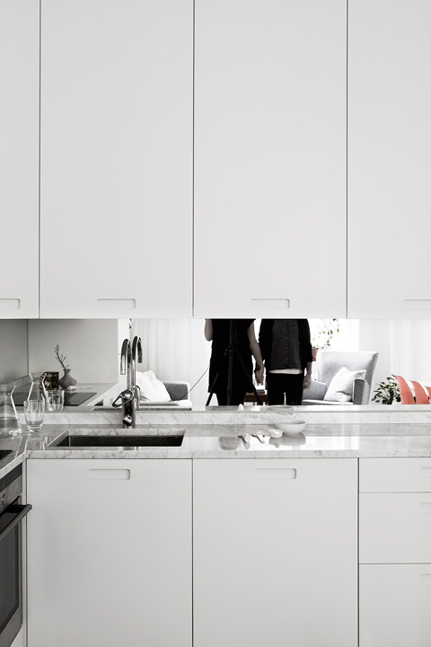 sillas eames naranja muebles de diseño estilo nórdico diseño y decoración diseño de interiores decoración de interiores decoración de comedores cocinas pequeñas cocinas modernas cocinas blancas blog de decoración nórdica escandinava