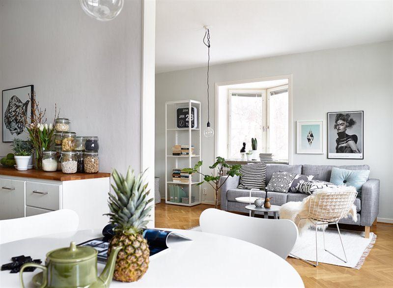 Un interior en armon a gris blanco y madera blog Salones en tonos grises