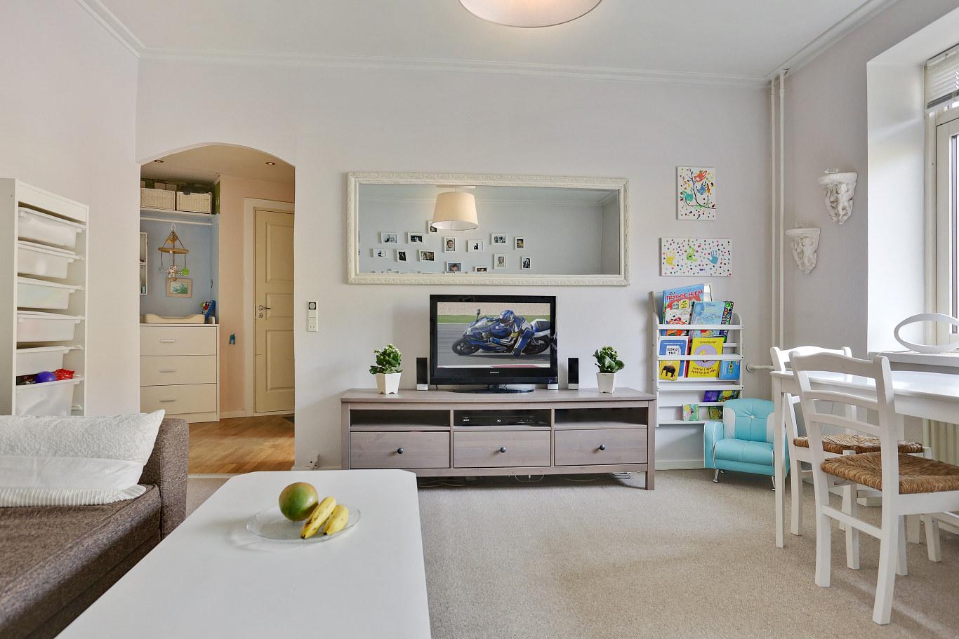La realidad de los pisos peque os en los pa ses n rdicos for Salones modernos para pisos pequenos