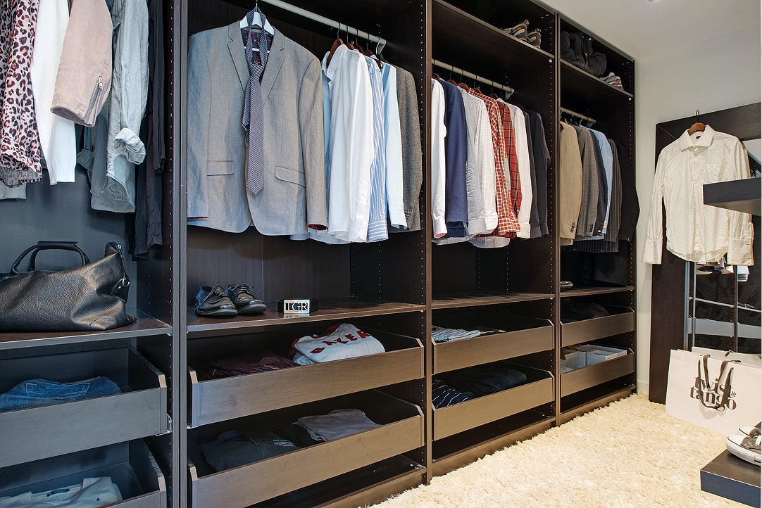 Prioridades walk in closet blog decoraci n estilo for Zapateras modernas para closet