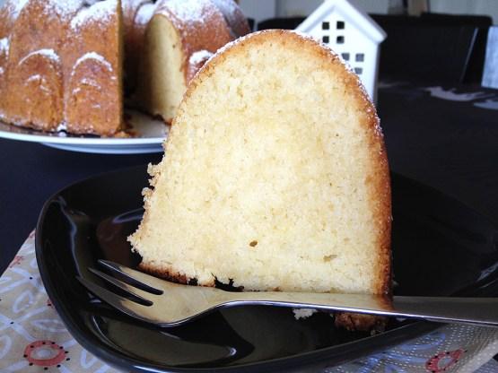 recetas delikatissen receta fácil de bizcocho postre fácil y rápido merienda casera Buttermilk bundt cake bizcocho grande vainilla bizcocho de buttermilk bizcocho casero jugoso bizcocho bundt cake
