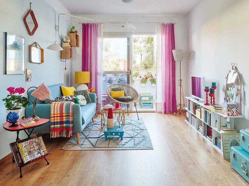 Explosi n de color en un piso en m laga blog decoraci n for Departamento decoracion interior