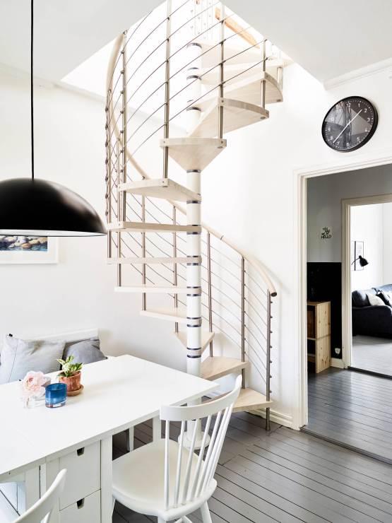 19 escaleras en pisos n rdicos blog decoraci n estilo for Decoracion escaleras duplex