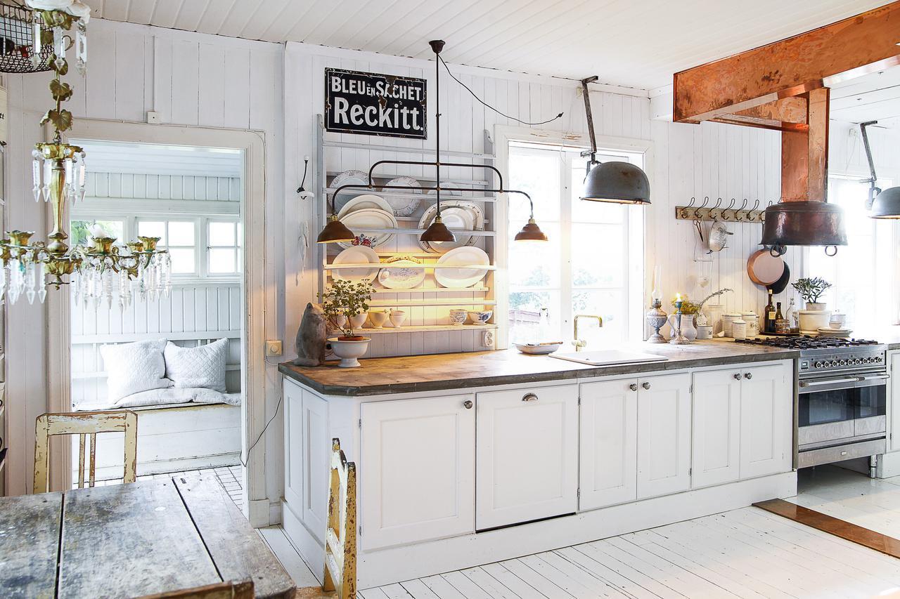 Espectacular cocina de campo blog decoraci n estilo - Cocinas vintage blancas ...