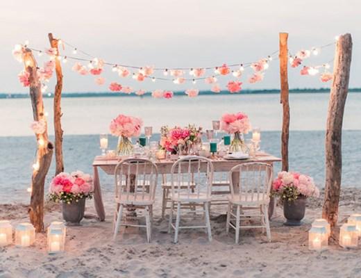 blog decoración nórdica, decoración eventos, decoración exterior, decoración femenina, decoración romántica, estilismo de bodas, eventos junto al mar, Idílicas mesas y bodas en la playa, mesas celebración bodas