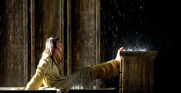 """Barbara Horvath in """"Edipo re"""", regia di Antonio Latella. Foto ©Sandra Then"""