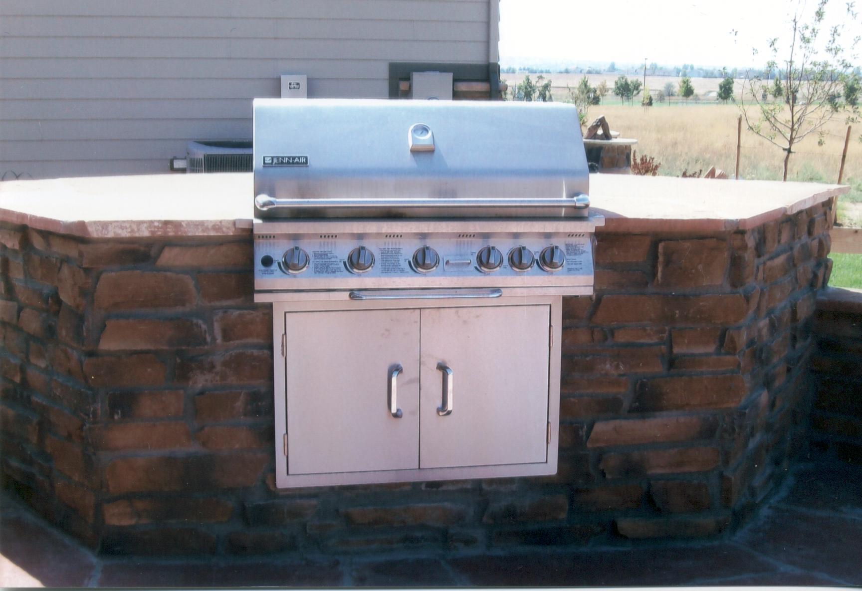 Bbq islands contractor denver custom outdoor kitchen masonry for Built in bbq island designs