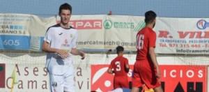 Fabián, en una imagen de archivo de la temporada pasada jugando con los juveniles Sebastián Candela