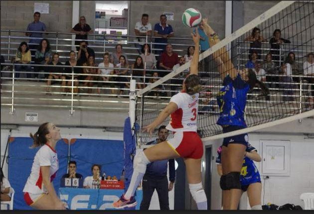 Tres jornadas, tres victorias. Las isleñas han brillado en casa llevándose el tercer partido de esta Superliga femenina 2.