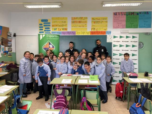 Catela y Diego Nunes visitaron el colegio Balmes, en Palma