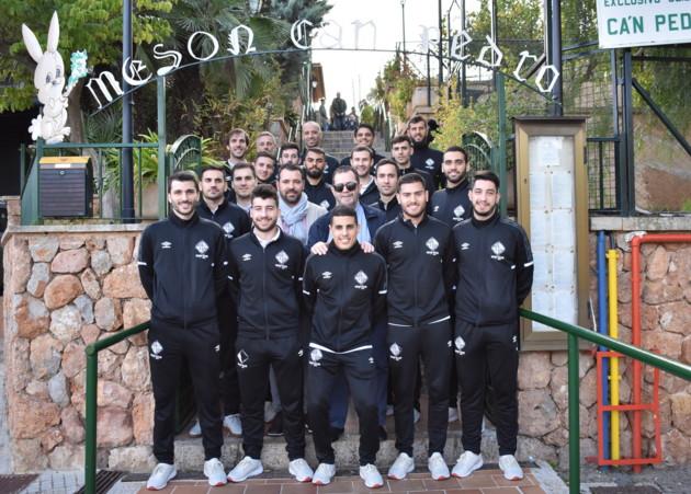 La plantilla del Palma Futsal celebra la Navidad