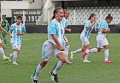 Yamila Rodríguez festejando un gol Brasil