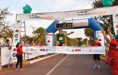 Luis Ortiz se quedó por tercer año consecutivo con la maratón de su ciudad natal. Ahora va por la del Inmigrante (Foto El Territorio)