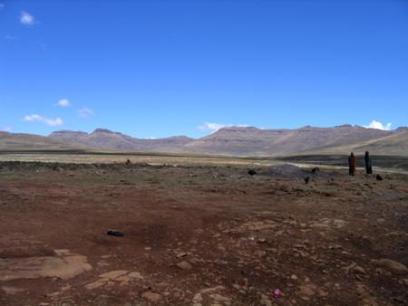 Plateau entouré de montagnes, batu par les vents : le Lesotho