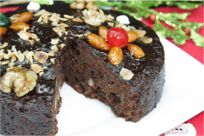 torta-negra-con-frutilla