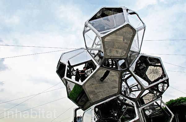Cloud City Tomas Saraceno
