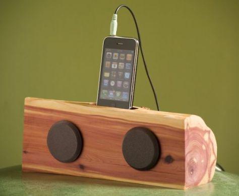 iphone ipod dock with speakers 01