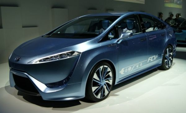 Toyota FCV-R Fuel-Cell Concept